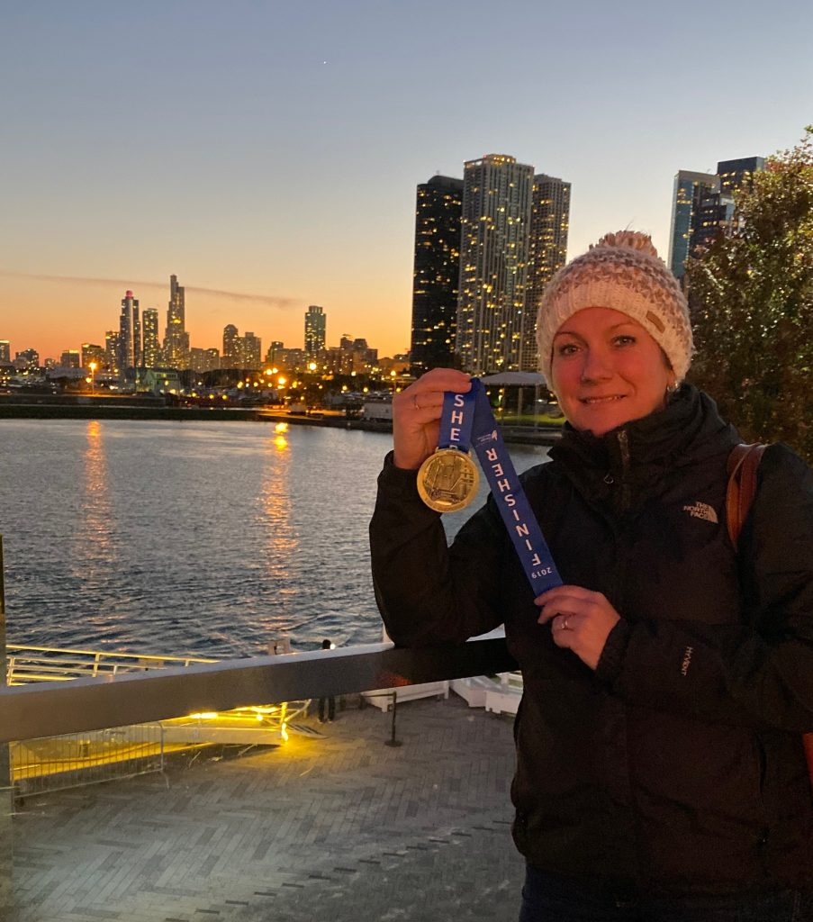 Rularuns showing off her Chicago Marathon Medal 2019
